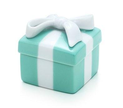 37 best Limoges Boxes images on Pinterest | Trinket boxes, Porcelain ...