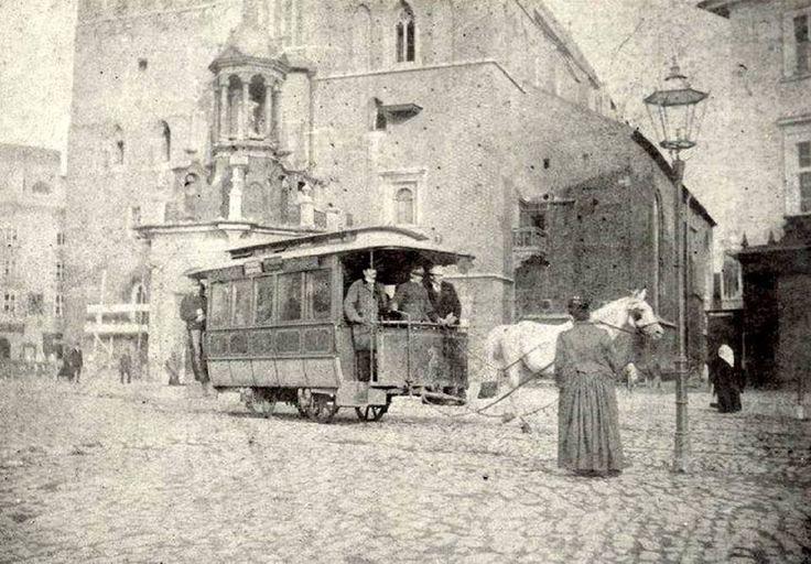 1872 rok, tramwaj konny na tle kościoła Mariackiego na krakowskim Rynku Głównym!