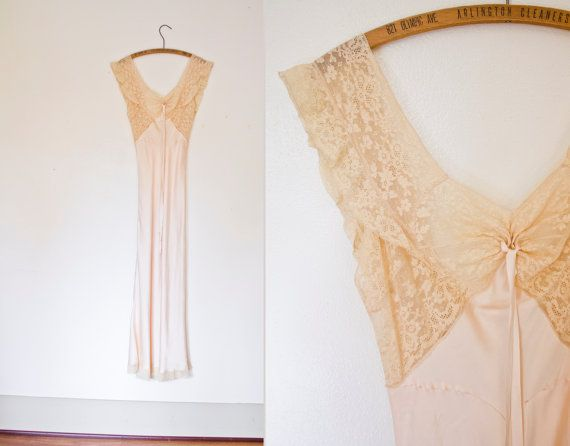 Vintage 1930s Nightgown - Champagne Satin & Lace Slip Bias Cut Full Length Lingerie - Extra Small