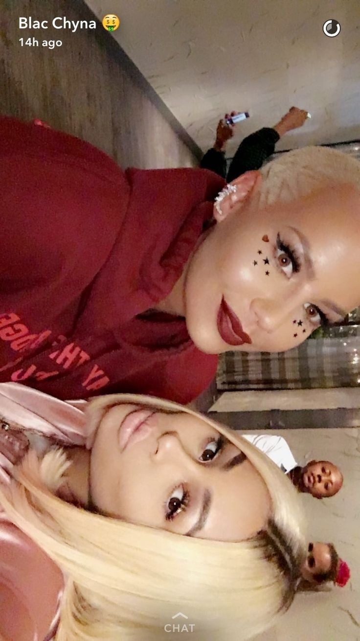 (Credit: Snapchat) via @AOL_Lifestyle Read more: http://www.aol.com/article/entertainment/2016/10/21/celebrity-snapchats-best-of-the-week/21589306/?a_dgi=aolshare_pinterest#fullscreen