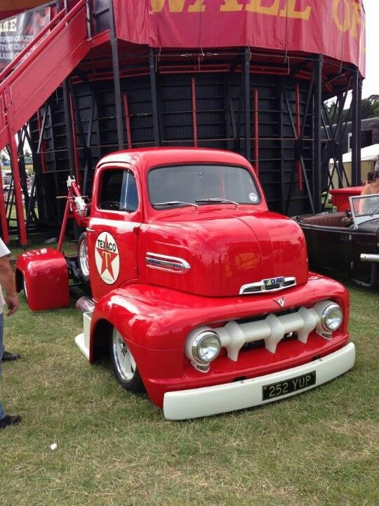 Ford coe tow truck..