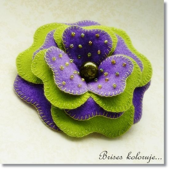 Felt flower brooch by Brises color, via Flickr