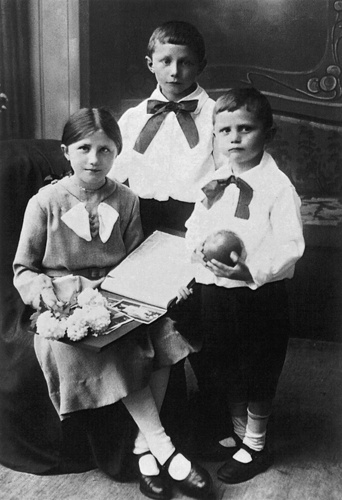 The Ratzinger siblings-- Maria, Georg, and Joseph (Benedict XVI).  I bet I'm not the only one who wants to pinch their cheeks!