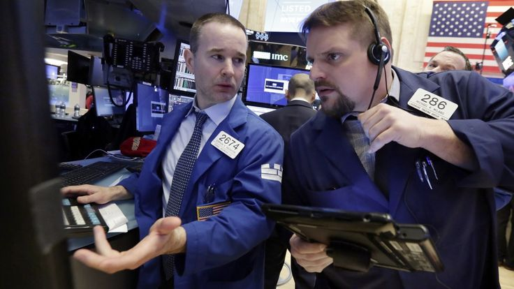 The Associated Press   U.S. stocks rose onMonday as the stock market bouncedback from a turbulent previous week. Defence contractors made gains whiletechnology and consumer-focused companies also rose. Ford is up after it replaced CEO Mark Fields, while chemicals maker Huntsman is rising... - #Business, #Closed, #Higher, #Holiday, #Monday, #Stocks, #TSX, #Weekend, #World_News