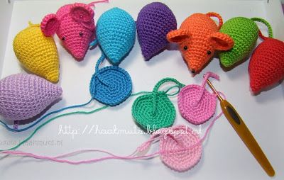 I went on a cyberadventure to find this Cute little Crochet Mouse that I want to make. I needed to find the pattern so I started hunting and was taken on a journey from Haakmuts Blogspot  to Planet Penny UK.  #crochet #mouse @planetpennyUK  @marciascarps  @glasseyesonline