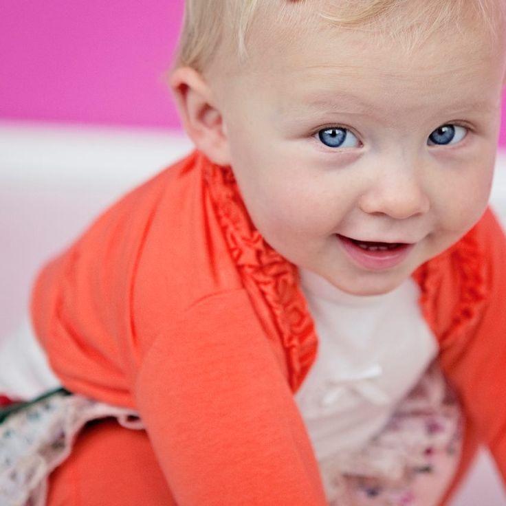 MICMIC Haine pentru copii si bebelusi www.micmic.ro/ Magazin haine pentru copii si bebelusi. Cea mai variata gama de produse pentru copii si bebelusi. Biciclete | Triciclete | Masinute - Tricouri - Bebe - Body