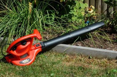 How (and How Not) to Use a Leaf Blower: Leaf blowers are useful in fall…