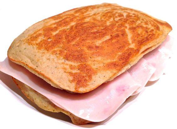 Pan proteico de tofu  INGREDIENTES: Para el pan: 150gr de tofu húmedo(yo lo compro en mercadona o herbolarios) 4 claras de huevo sal sin sodio 1/2 cucharadita de levadura química Para el relleno: 4 lonchas ...