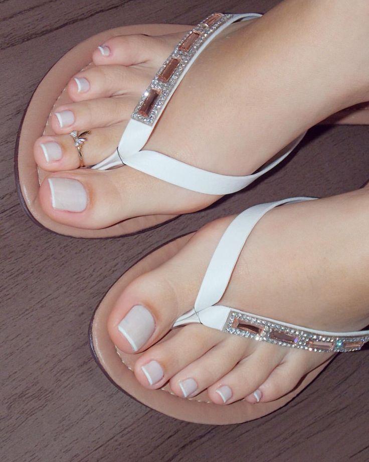 You Black women feet in flip flops toenails that