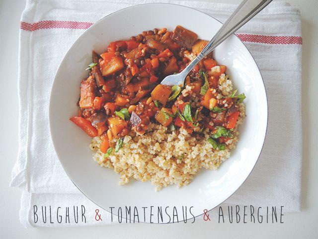 Bulghur met tomatensaus en aubergine