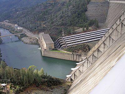 Shasta Country Pictures: Shasta Dam