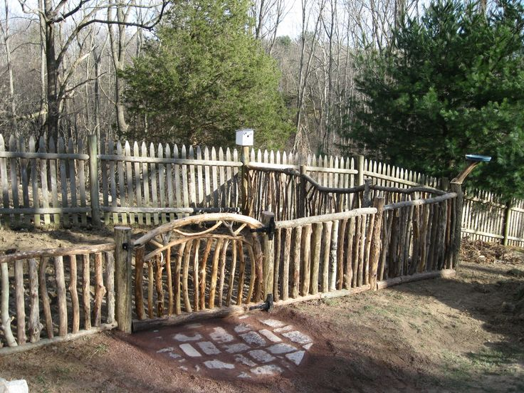 I would love to have this tree branch fence in my front yard.
