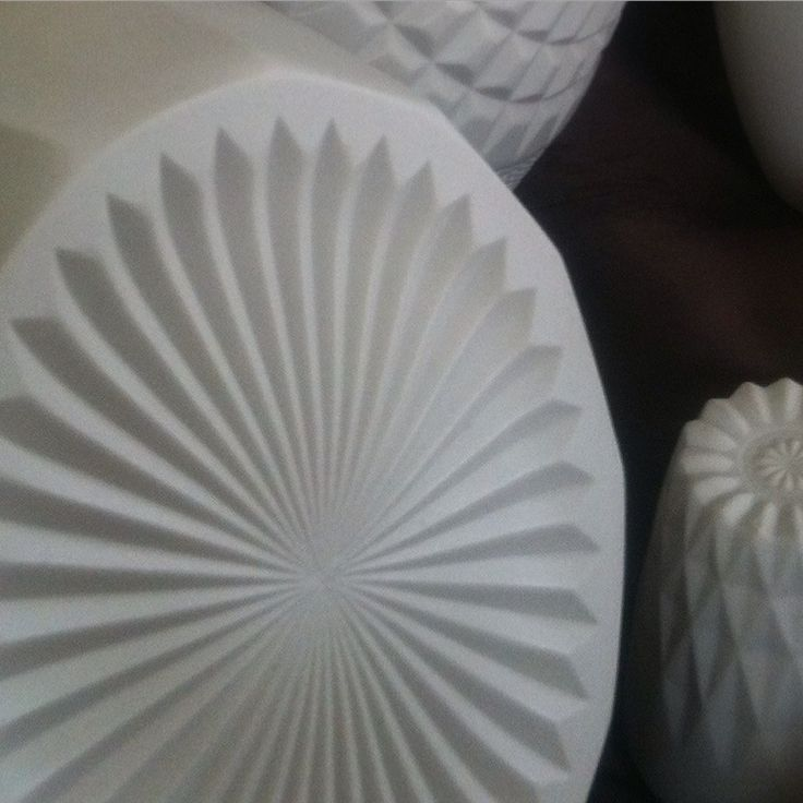 burst bowl | alabaster | porcelain | gritCERAMICS