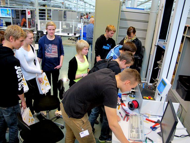 Finnish high school students visit Technobothnia during annual Lukiopäivä-event.