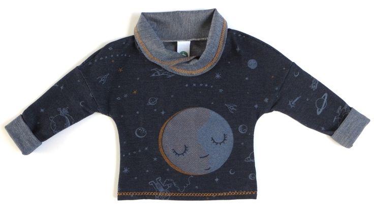 De Astronaut van Pyanta Kinderkleding. Pyanta Kinderkleding wordt handgemaakt in Nederland van biologische materialen. De kleding groeit mee met je kindje!  #biologisch #handgemaakt