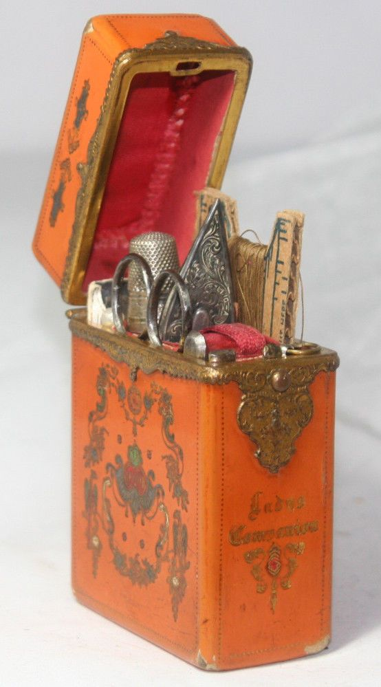 Original ANTIQUE c1850~~Adorable ETUI,10pc LADIES leather SEWING COMPANION~box
