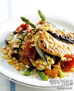 행복이가득한집 Design your lifestyle 여덟 가지 곡물의 여덟 가지 기능 [곡식 샐러드 2] 녹두를 넣은 닭가슴살 샐러드