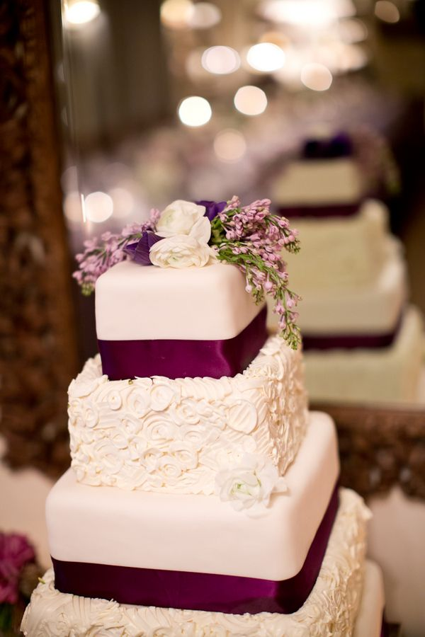 Feast Your Eyes on These 18 Pin-Worthy Floral Wedding Cakes. To see more: http://www.modwedding.com/2013/12/29/18-pin-worthy-floral-wedding-cakes/ #wedding #weddingcake #weddingcakes