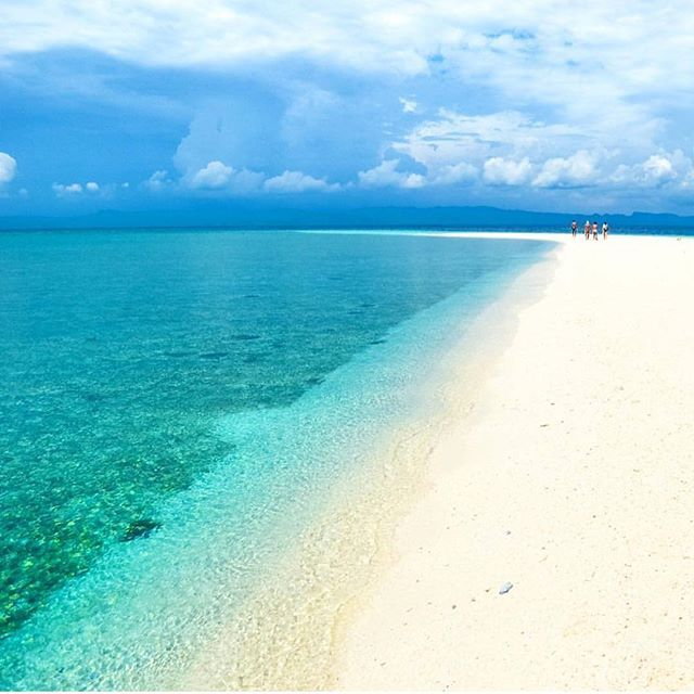 Kalanggaman Island - Philippines 💙💙💙 Credits ✨@pinoytravelfreak✨ . #beachesnresorts for a feature 💙