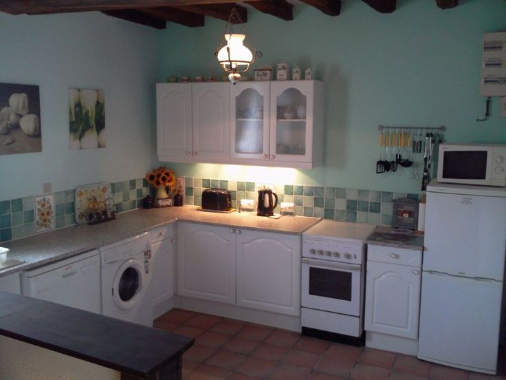 Lots of kitchen to play with. From simple meals to gourmet cooking. Welcome home!