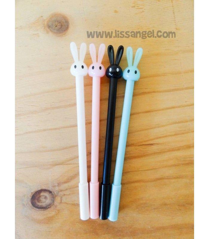 Si eres de los que no se conforma con #bolígrafos normales y buscas bolígrafos originales, no puedes perderte estos bolígrafos #kawaii con forma de #conejo. De punta fina y tinta de gel negra, cuatro colores a elegir.  #papeleria