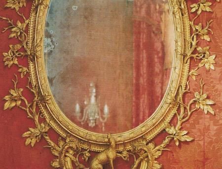 antique mirror: Wall Colors, Mirror Mirror, Gold Mirror, Antiques Mirror, Wall Mirror, Mirrormirror, World Of Interiors, Gold Accent, Frames Mirror