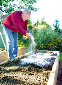 Using organic fertilizers edible landscaping with for National gardening association