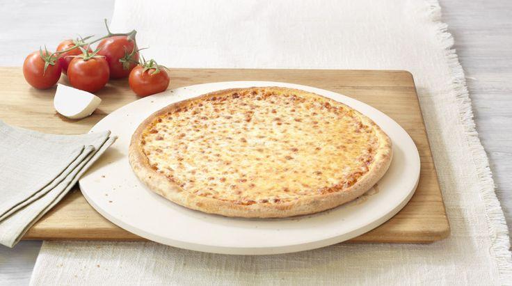 Pizza «Margherita» (vegetarian) – Tomato sauce, Mozzarella – Sizes: S - 25cm, M - 30cm, L - 35cm
