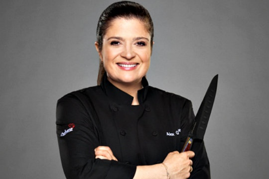 """Butter"" restaurant chef Alex Guarnaschelli with her $5 worth's knife"