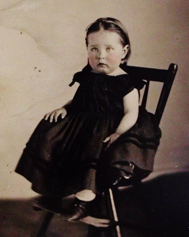 ANTIQUE CIVIL WAR ERA TINTYPE PHOTO OF PRECIOUS LITTLE GIRL IN LOVELY HOOP DRESS