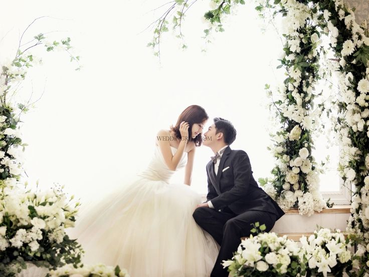 This time I'd like to show your some 2015 samples of Able studio.   They do pre wedding shoot, Make up art book and even art book shooting for broadcasting. They only accept 3 team limited in a day, and they already prepared beautiful dresses, and professional make up at the studio. Many clients take semi wedding photo shoot, family photo shoot, and remind wedding shoot. They recently moved, so they are now available to take road scenes, roof scenes, and even got photo shoot set place on the…