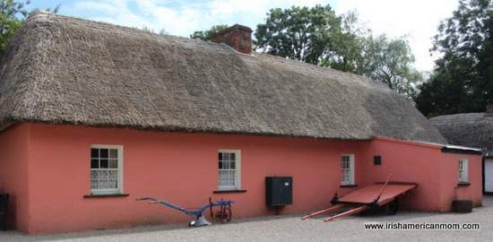 Pink Thatched Cottage in Bunratty Folk Park