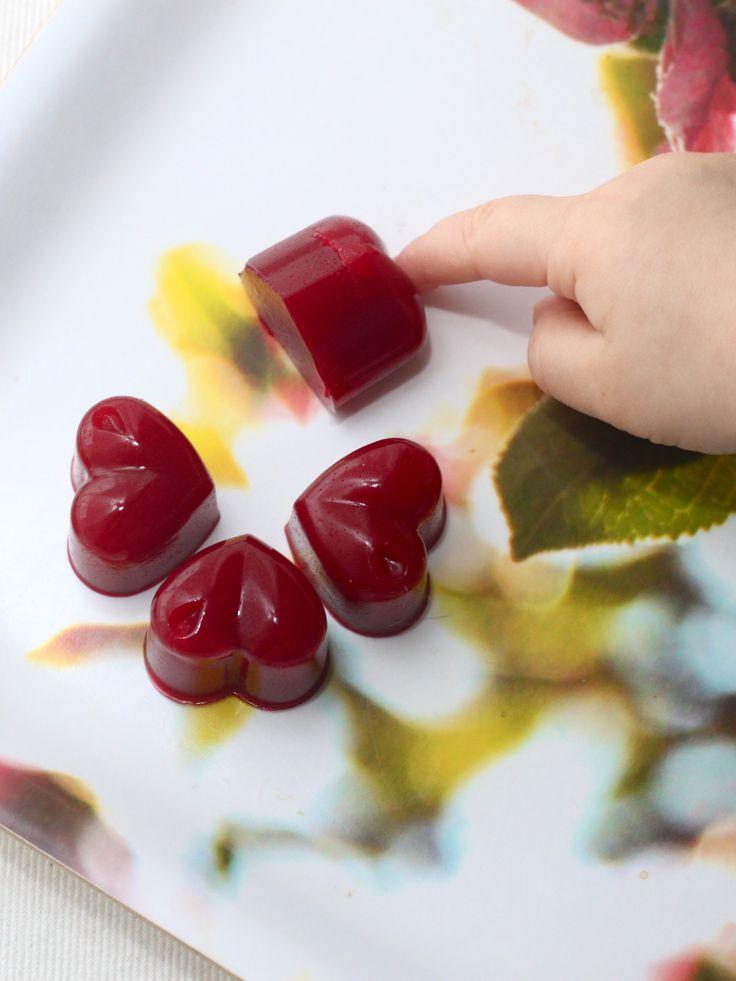 Tee itse luonnollisesti makeutettuja vadelmakumeja.