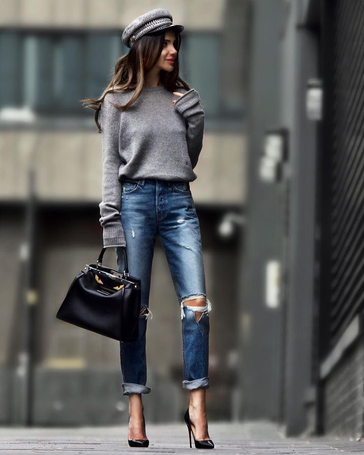 Fall 2018 outfit. Winter 2018-19 outfit. Distressed boyfriend jeans, black heels, gray sweater. Street style, street fashion, best street style, OOTD,…