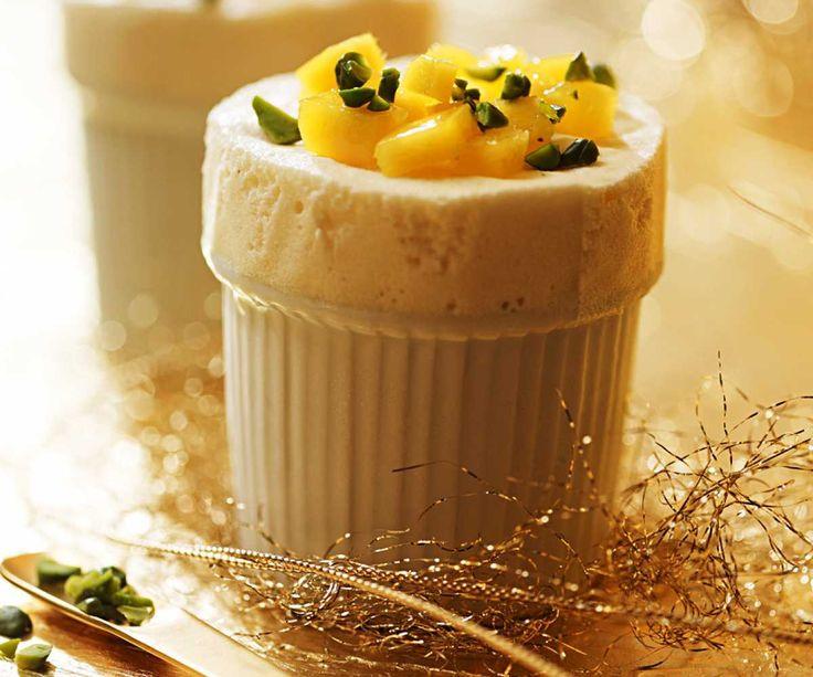 Soufflé-Glace mit weisser Schokolade und Mango #Rezept #Essen #Food #Dessert #Nachtisch #weihnachten #Winterrezept #Migros