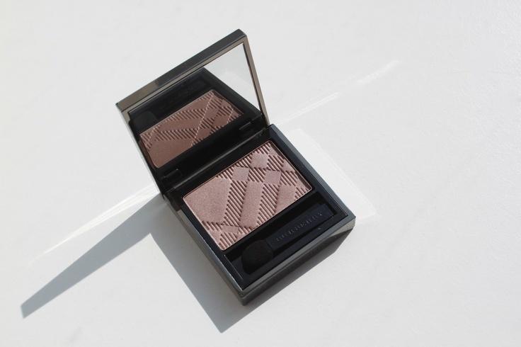 Burberry Sheer Eyeshadow in #09 Rosewood ($29). Permanent.