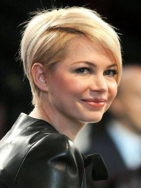 The Grown Out Pixie - Michelle Williams   Time to grow your pixie cut and style it to look like a million bucks. Visit us to get quick tips on how to super style your growing pixie cut.