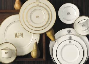 Monogramed plates - great everyday plates!Engagement Gift, Monograms Things, Pickard Signature, Monograms Mad, Signature Monograms, Monograms Tabletop, Monograms Dishes, Pickard China, Monograms China