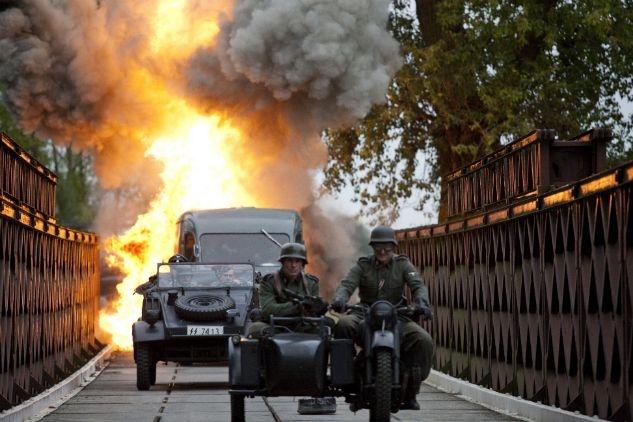 """""""Czas honoru"""", W trakcie scen batalistycznych zużyto przeszło 10 tys. sztuk amunicji (fot. Monika Zielska/TVP)"""
