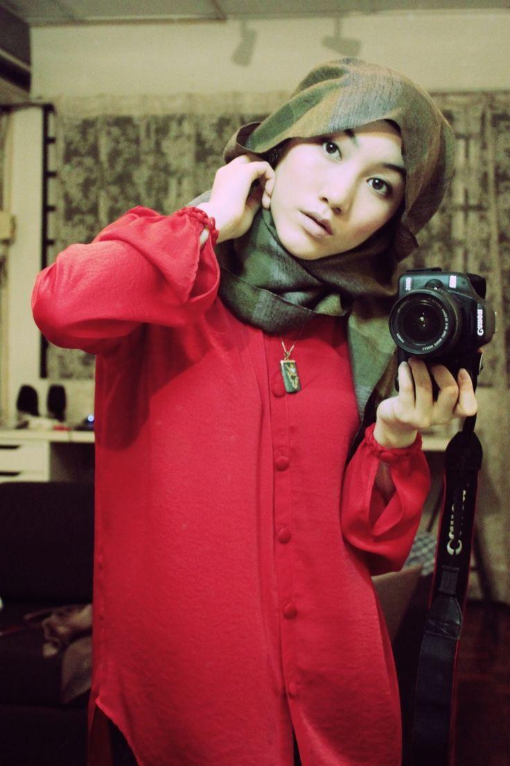Hana Tajima head scarf