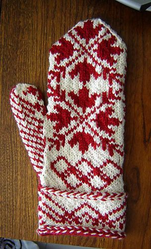 I want to knit these very very badly. Why must it be summer right now?