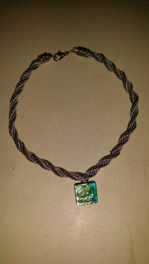 Halsband. Kumihimo