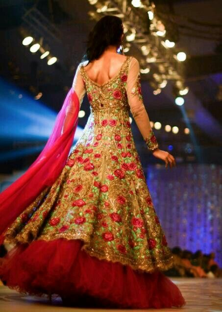 www.weddingstoryz.com bridal wear ideas designs patterns lehenga outfit zari zardozi indian weddings red