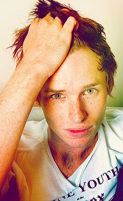 Red hair, green eyes, and tons of freckles. Eddie Redmayne is your typical ginger and I love it.