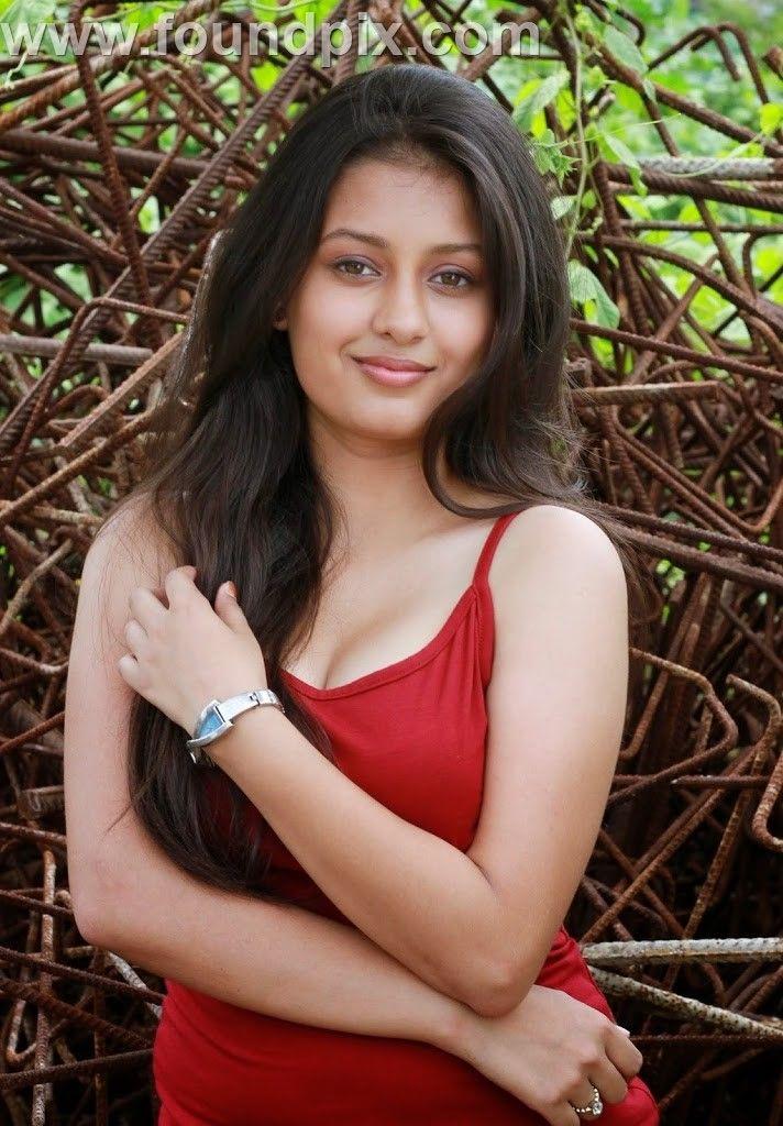 Kanika Tiwari New Images