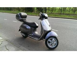 Vespa GT 200 Grandturismo Scooter / GT200 Moped - http://motorcyclesforsalex.com/vespa-gt-200-grandturismo-scooter-gt200-moped/