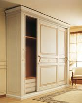 Traditional wardrobe / wood / sliding door