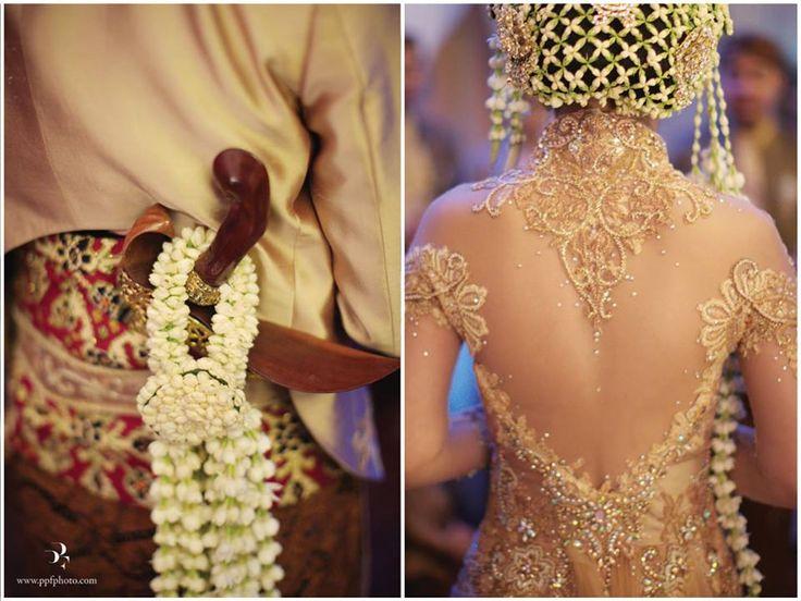 Pastel Minang and Javanese Wedding of Yovika and Andro - Yovika12 #kebaya #kebayamodern #indonesia #ferrysunarto #designer #designerindonesia #pernikahan #wedding