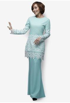 Lyrata Modern Kurung from Emel by Melinda Looi in green_1