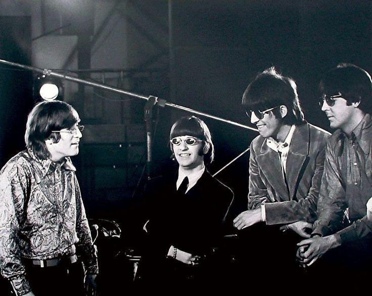 Resultado de imagem para THE BEATLES 1966 REVOLVER